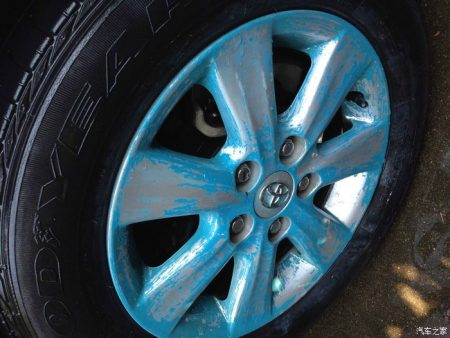 轮毂喷膜怎么去除 哪里可以做轮毂永久改色